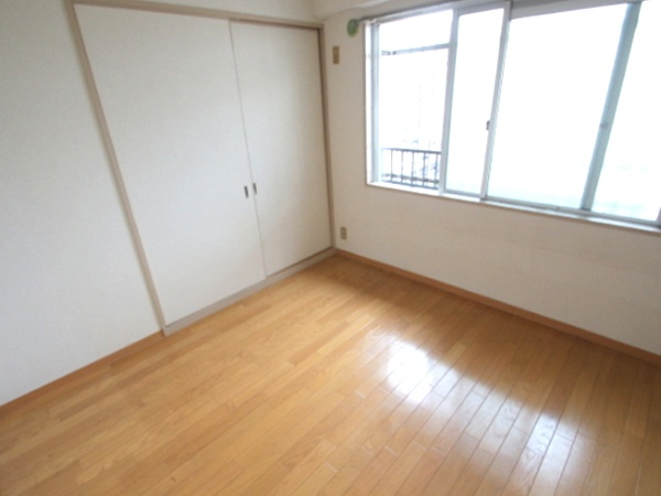 Hankyu Kobe line / Takarazuka line Kanzakigawa station, 3 Bedrooms Bedrooms, ,1 BathroomBathrooms,Apartment,For Rent,Kanzakigawa station,1015