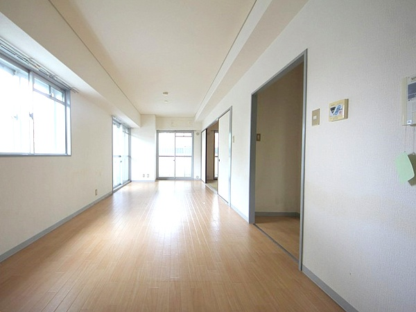 JR Loop line, Hankyu lines, Tanimachi line Tenma & Umeda Station, 2 Bedrooms Bedrooms, ,1 BathroomBathrooms,Apartment,For Rent,Tenma & Umeda Station,1067