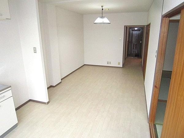 Keihan Main & Katano lines Hirakata-shi & Miyanosaka stations, 2 Bedrooms Bedrooms, ,1 BathroomBathrooms,Apartment,For Rent,Hirakata-shi & Miyanosaka stations,1071